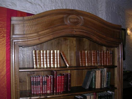 Bibliothèque en noyer