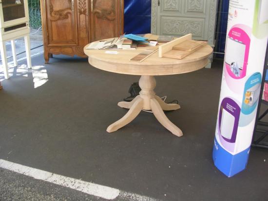 Fabrication d'un table ronde en chêne pieds central avec 1 rallonge