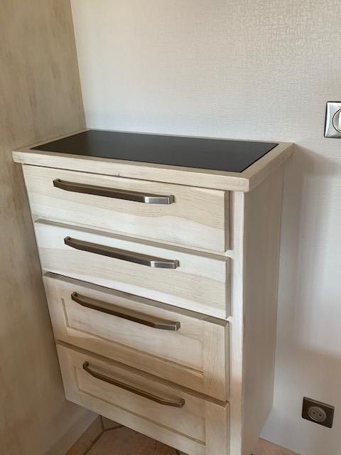 Réalisation d'un petit meuble cuisine sur mesure