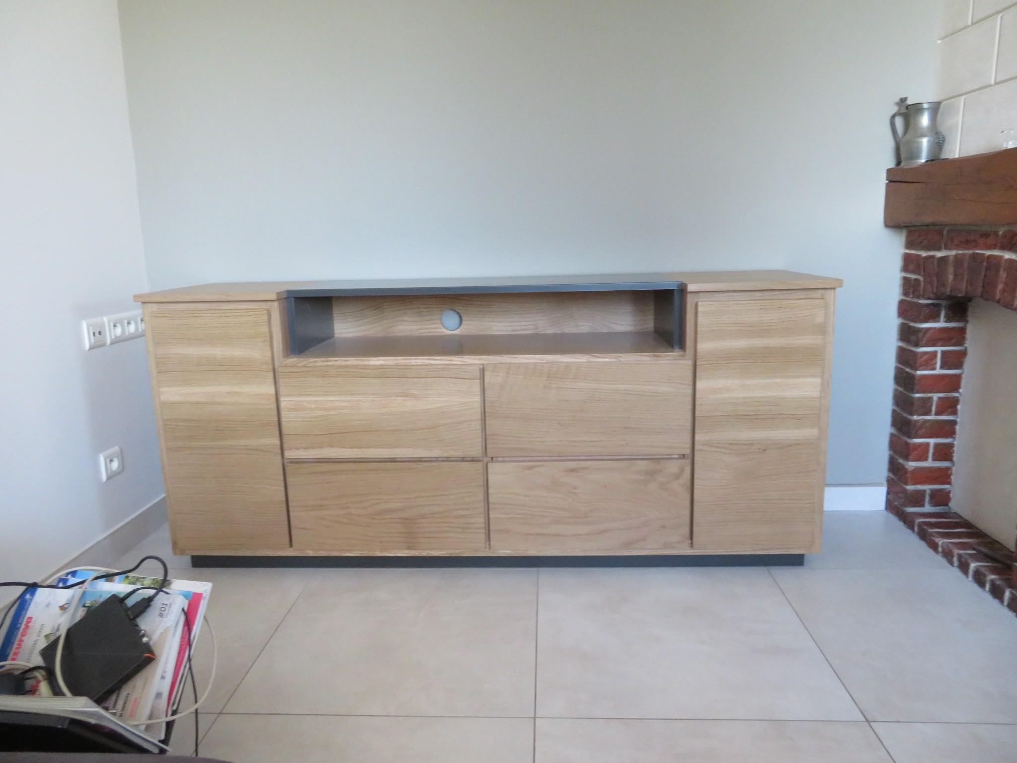 Réalisation d'un meuble TV en bois et fer